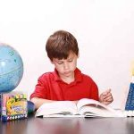 Essay on Importance of Book in Life in Hindi
