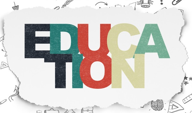 Essay on Importance of Education in Hindi
