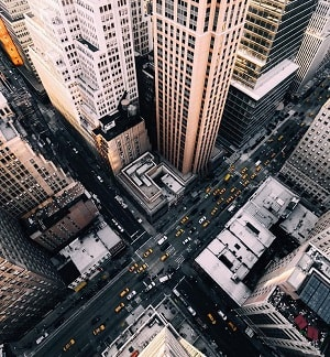 Essay on Life in A Big City in Hindi