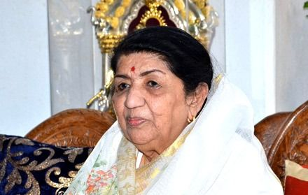 Lata Mangeshkar Biography in Hindi